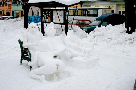 Perverse Schneefiguren