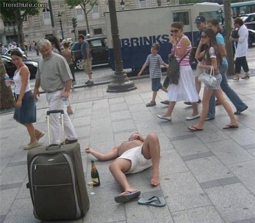 Besoffene Leute in der Öffentlichkeit