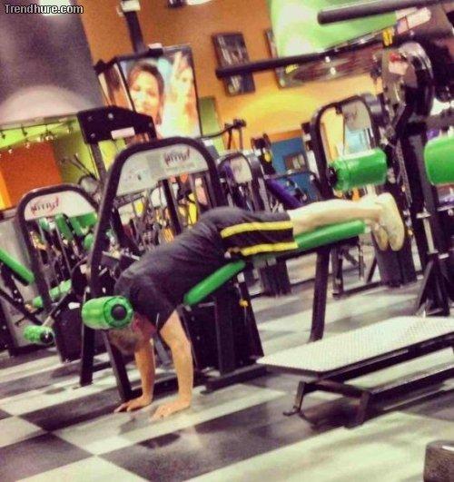 Neulich im Fitnessstudio...