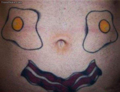Bauchnabel-Tattoos